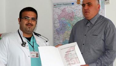 Д-р Ферхад Ахмед: Влязох в студената вода, не съм плувец, но спасих човека!