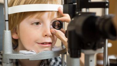 Доц. д-р Виолета Чернодринска, д.м.: Успешното лечение на мързеливото око е възможно и при тийнейджъри!