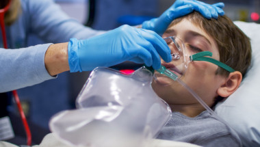 Възможно ли е вирусна инфекция да предизвика инсулт при дете?