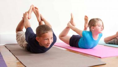 Д-р Захари Михайлов: При детската сколиоза помагат йога и плуване