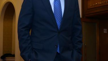 Новият министър д-р Петър Москов: Медицината ще се върне в болниците, търговията вън!