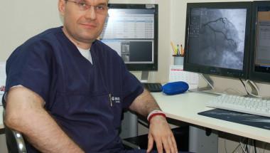 """Кардиолозите на """"Александровска"""" имплантираха за първи път ултрамодерен електрокардиостимулатор"""
