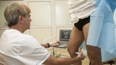 С уникален метод израелски лекар спасява страдащи и от най-тежки форми на разширени вени