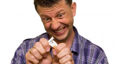 Доц. д-р Коста Костов: 50% от пушачите умират 14 години по-рано!