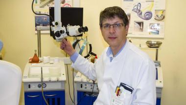 Доц. д-р Петър Руев: За първи път в България поставихме слухова система