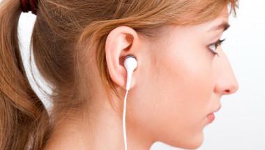 Проф. д-р Георги Едрев: Евтините слушалки увреждат слуха!