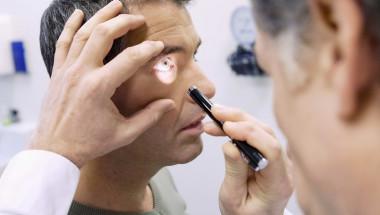 10 000 души годишно ослепяват заради ретинопатия!