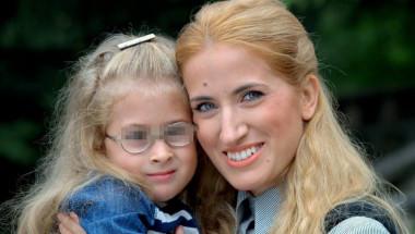 """Емануил Куриян: 10 дни в """"Майчин дом"""" се бориха за живота на дъщеря ни - роди се със спина бифида!"""