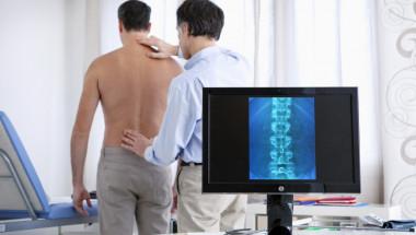 Рискът при гръбначната хирургия е като при операция на сливици!