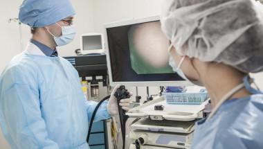 Ендоскопската хирургия работи с много по-голяма видимост и точност!