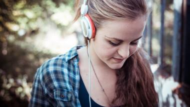Слушалките вредят на слуха и на психиката