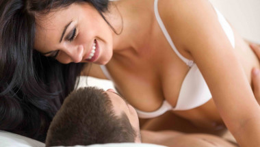 Експерти посочиха ползите и вредите от секса при грип