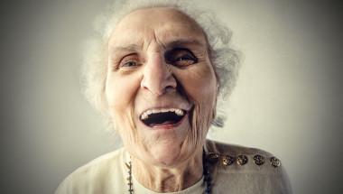 Черният хумор е явен признак за деменция