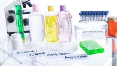 Черен списък: Топ 10 на най-опасните вещества в козметиката