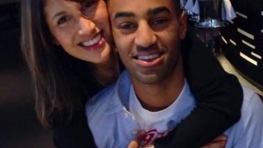 Как 52-годишна жена изглежда като връстничка на 25-годишния си син (СНИМКИ)