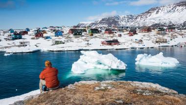 Обясниха аномалното топене на ледовете на Гренландия