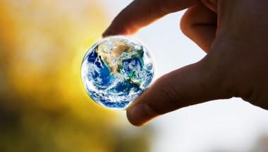 Глобалното затопляне променя движението на земните полюси