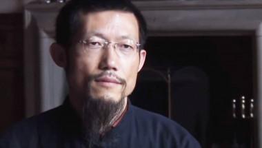 Хонгчи Джао:  Болестите изчезват с разтягане и пляскане по ставите