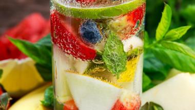 Плодовата вода – новата детокси бомба