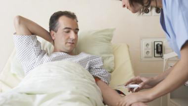 Първи в света български лекари излекуваха от хепатит С болни с рак на черния дроб