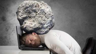 Стрес и преумора ни докарват главоболие