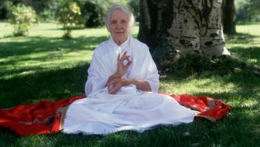 Златните правила на Индра Деви, доживяла до 103 години