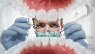 Д-р Венцислав Стоев: Над 300 вида бактерии живеят в устата ни