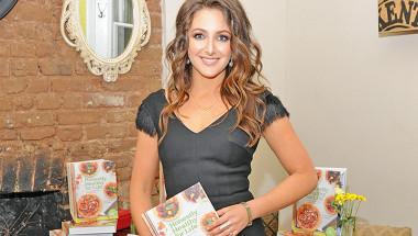 Диетологът на Виктория Бекъм - Наташа Корет: Младостта е в алкалните продукти