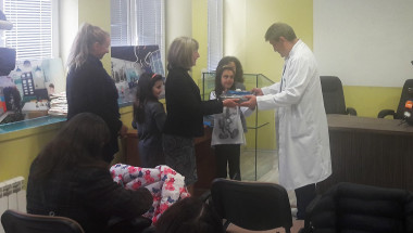 Доц. д-р Христо Шивачев: Деца от Троян ни дариха хирургични инструменти