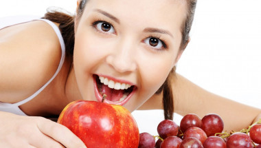 Топ 10 храни за красиви зъби