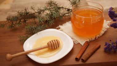 Мед и канела свалят килограми