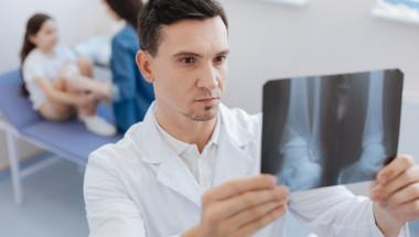 Доц. д-р Стефан Стефанов: Децата  с артрити имат променена микрофлора в червата