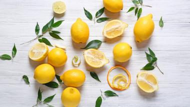 Лимонът прави чудеса с кожата на лицето (5 рецепти)
