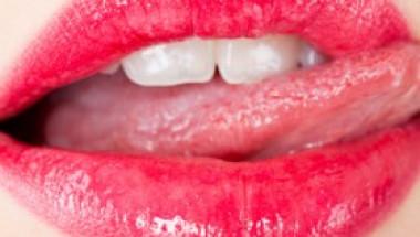 Искате красиви и нежни устни? Ето как да го постигнете
