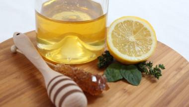 Мъчи ли ви настинка? Ето 4 безотказни руски рецепти с... водка!