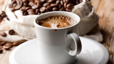 Тези 4 супер полезни напитки идеално заместват кафето