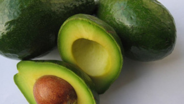 Костилката от авокадото лекува камъни в бъбреците