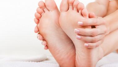 Потопете краката си в бяла течност: Резултатът ще надмине дори най-дръзките ви очаквания! (СНИМКИ/ВИДЕО)