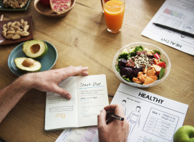Учени обясниха защо трябва да гладуваме