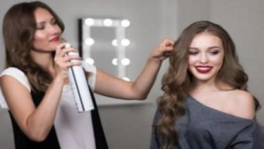 Какво трябва да запомните при използване на лак за коса (СНИМКИ)
