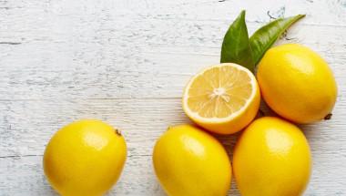 Поставете до леглото си три резанчета лимон, резултатите ще ви смаят