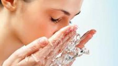 3 грешки, които водят до преждевременно стареене на кожата, бръчки и тъмни петна по лицето