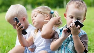 Д-р Робърт Лъстиг: Смартфоните увреждат мозъка