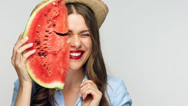 Намигнете на лятото с динена диета