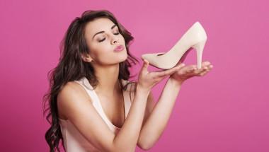 Как да спасите краката си от неудобни обувки: 8 ефективни средства (СНИМКИ)
