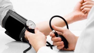 90% от хората правят тези грешки и изкривяват резултата: Как да измерите кръвното налягане правилно?