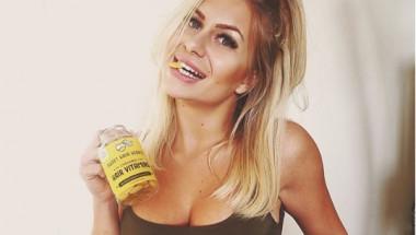 Това момиче показа как се променя тялото, след като спреш алкохола (СНИМКИ 18+)
