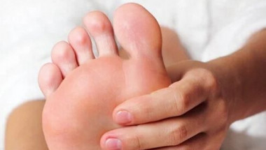 Мислите си, че краката ви се надуват от неудобни обувки? Докторът ще разсее всички заблуди!