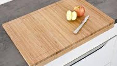 Домашен трик: Как е правилно да мием дъската за рязане в кухнята?
