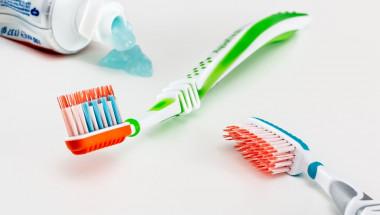 Защо в никакъв случай да не държим четката за зъби в банята